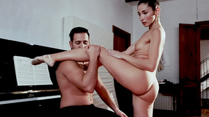 Young ballerina Clea Gaultier wants to fuck!